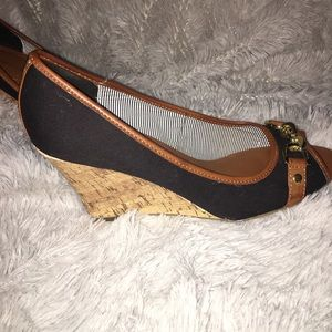 Super Cute Tommy Hilfiger wedges, size 9